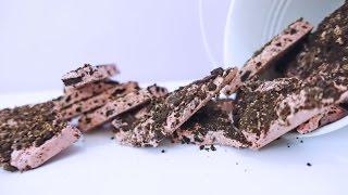 Cookies & Cream & Strawberry Oreo Bark I The Weekend Sugar