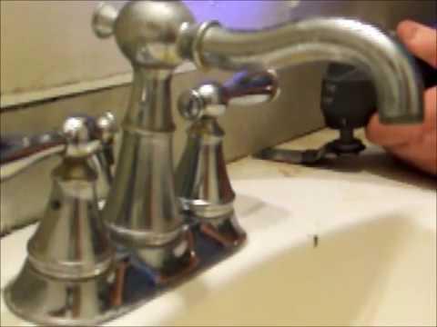 Ryobi JobPlus 18 volt P340 MultiTool removing pressed wood
