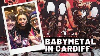 BABYMETAL in Cardiff - UK Tour. 日本語字幕を追加しました。そのう表示されると思います!お楽しみください Font used for the stickers - Coluna and Variex Bold...