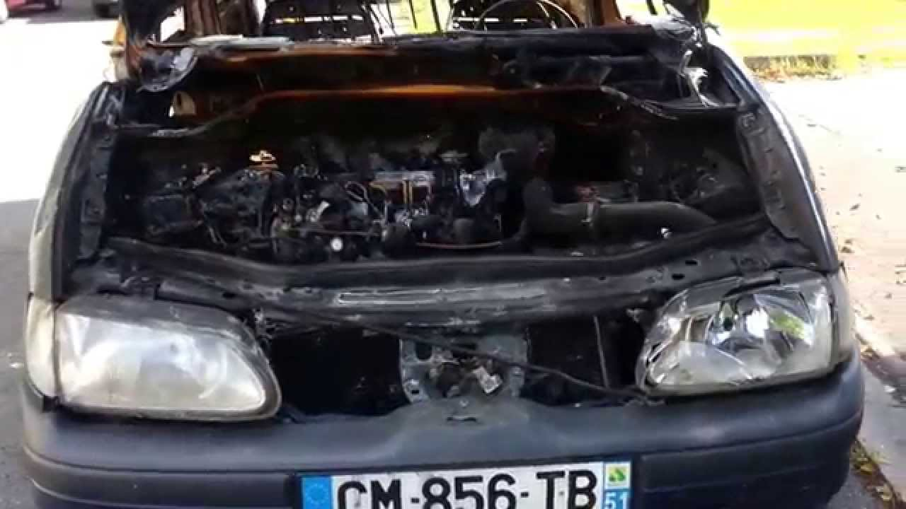 Voiture brulée dans le quartier de Mitryà Aulnay sous Bois en Ao u00fbt 2014 YouTube # Pieces Auto Aulnay Sous Bois
