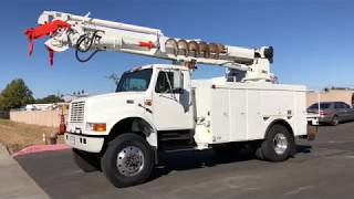 2002 International 4800 4x4 Altec D947 TR Digger Derrick For Sale