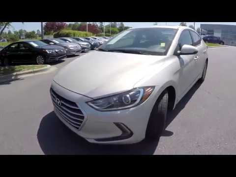 Walkaround Review of 2017 Hyundai Elantra 94152A