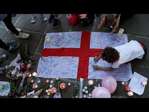 الشرطة البريطانية تعتقل شخصين آخرين يشتبه في ارتباطهما بهجوم مانشيستر  - نشر قبل 2 ساعة