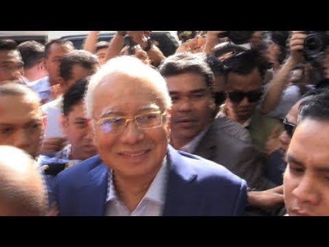 Malaysia's ex-PM arrives at anti-graft agency