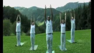 Шри Шри Йога Кани Sri Sri Yoga Kahni(short Promo-video about Sri Sri Yooga Asanas, taken out of short takes for a Breakfast TV. короткое промо-видео асан Шри Шри Йоги - из утренних перед..., 2010-04-23T19:01:15.000Z)