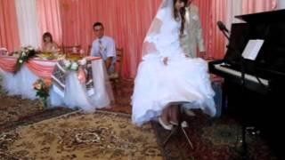 кружится как пушинка в космосе земля жених невеста.MOV