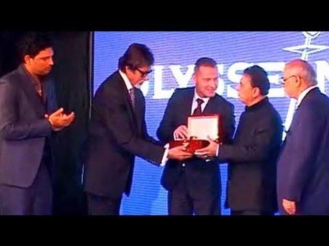 Cricket and Bollywood converge to honour Sunil Gavaskar Mp3