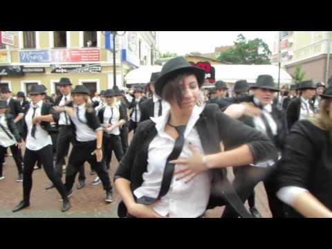 Нижний Новгород танцует в память о Майкле Джексоне NEWS.NN.RU