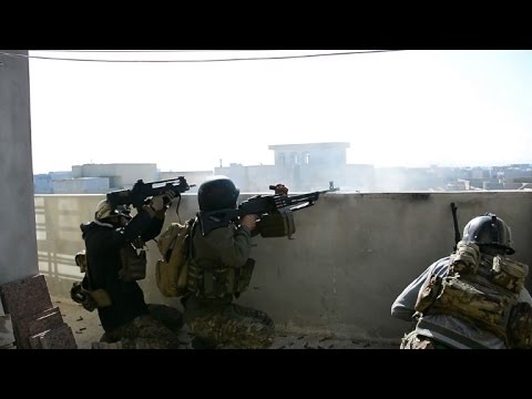 Iraqi forces near Tigris River in Mosul