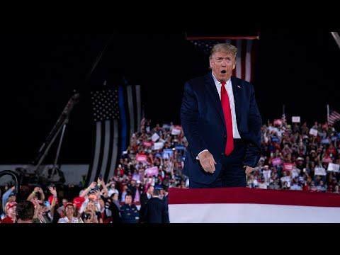 Crowd chants 'CNN sucks' as Trump hits back at big tech, leftist media