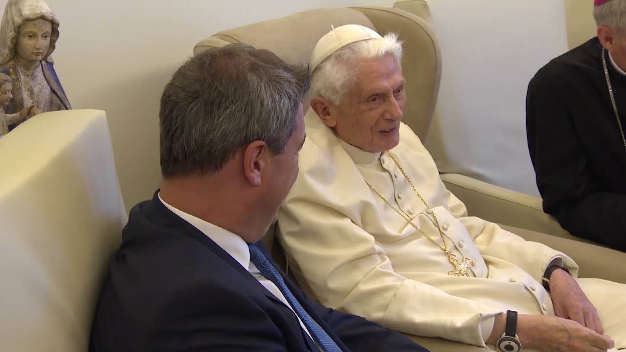 According to his biographer, Benedict XVI is in a delicate condition due to skin infection