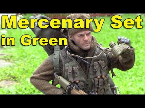 Very Hot Toys Mercenary Set in green close look and build