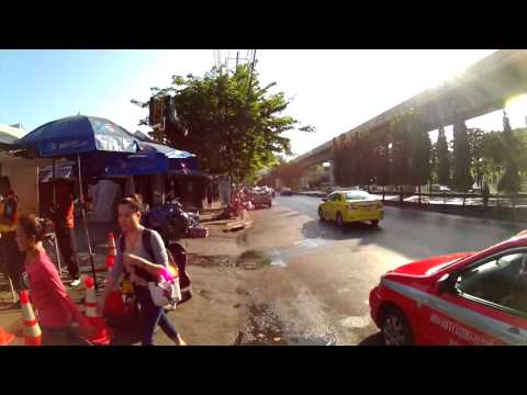 Riding on Bangkok Pedestrian   Rod Fai Park - Sports Cam HD (GoPro replica)