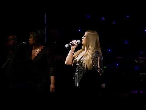 CeCe Peniston Keep On Walking (Live)