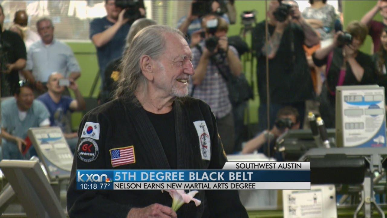 Willie Nelson receives 5th-degree black belt
