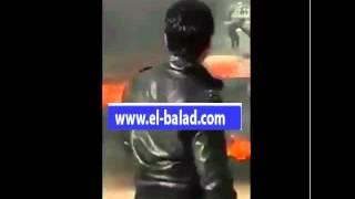 بالفيديو.. قطع الطريق أمام مقر ولاية القصرين غرب تونس وإشعال الإطارات
