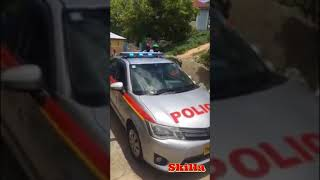 Police Pulled Gun on Taxi Full of Passengers -Jamaican  Taxi driver vs Police