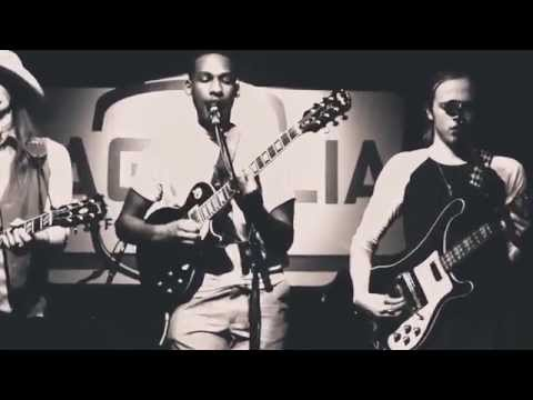 Leon Bridges - Chain Gang (Sam Cooke Cover)