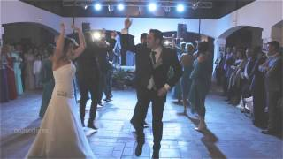 Baile en grupo original en una boda