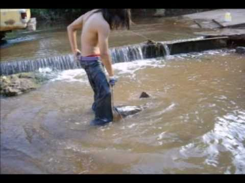 Noodling for big flathead catfish - YouTube - photo#35