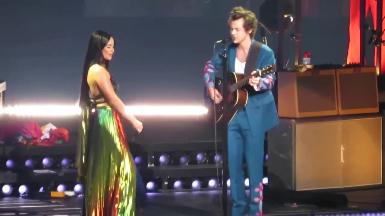 Harry styles still the one shania twain cover ft kacey - Harry styles madison square garden ...