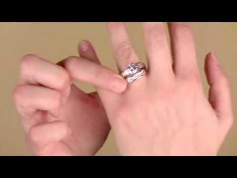 zora's-round-cut-cz-wedding-ring-set