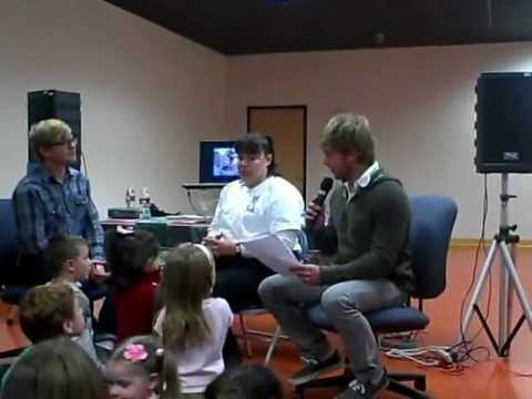 "Disney Channel Stars Doug and Chris Brochu reading ""Max & Indie Go To The Vet"""
