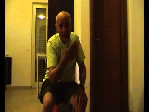 Nonno Giuseppe canta