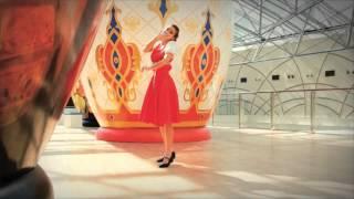 Nastia Somique Russian folk performance Vogue Waacking toprock