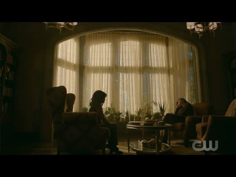 legacies-1x02-hope-s-therapy-scene