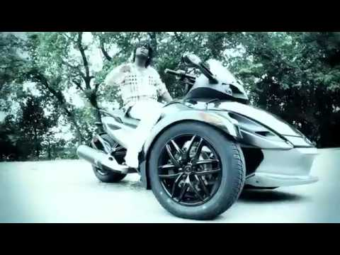 Chief Keef - We Eatin Feat. Boss Brick (Official Music Video)