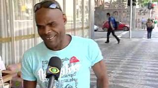 Morador de rua de Curitiba surpreende comerciantes e pedestres com sua organização