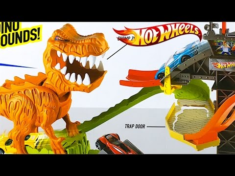 hot wheels t rex takedown with 18 hot wheels cars included. Black Bedroom Furniture Sets. Home Design Ideas