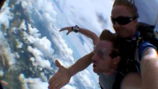 Sky Diving in Cairns Thumbnail