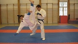 Karate SWEEPS and Takedowns, Ashi Barai(Karate Do 空手道 / Ju jitsu 柔術 Sweeps and takedowns - Ashi Barai 足払 - Kani basami 蟹挟, Sutemi Wasa 舍身performed by Shotokan 松涛館 Karate Instructor., 2014-02-04T22:37:19.000Z)