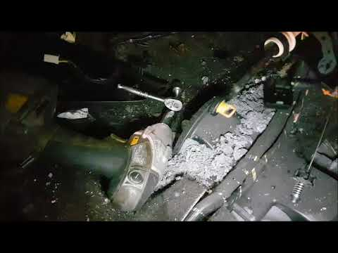 2006 pontiac torrent heater core removal - YouTube