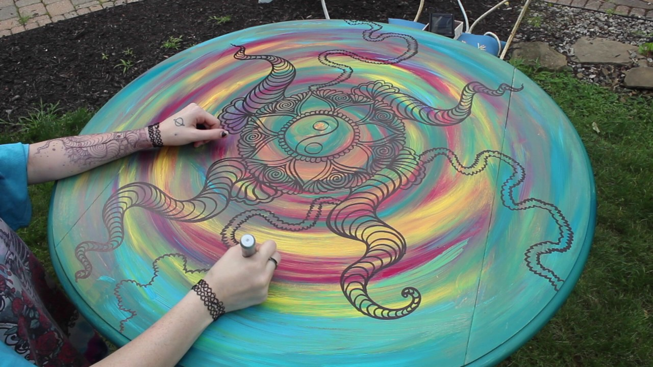 trippy drawing on a table (time-lapse) - YouTube