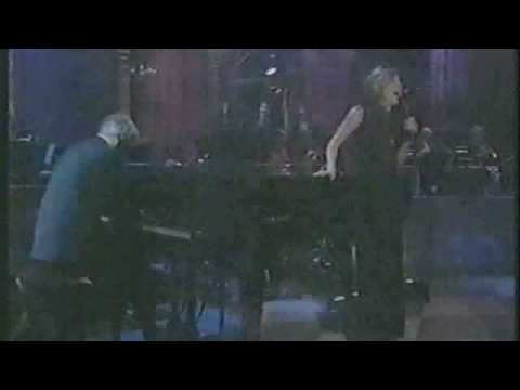 Burt Bacharach live ( URL + &fmt=18 Dolby Surround Stereo *surround type Superdome )
