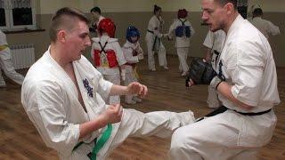 Sparingi zawodnik�w Ostro��ckiego Klubu Karate Kyokushin