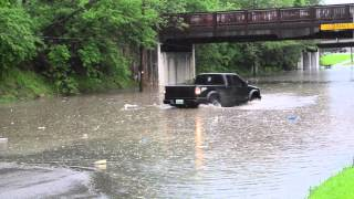 Watch Lifted Truck think twice about going through flooded street