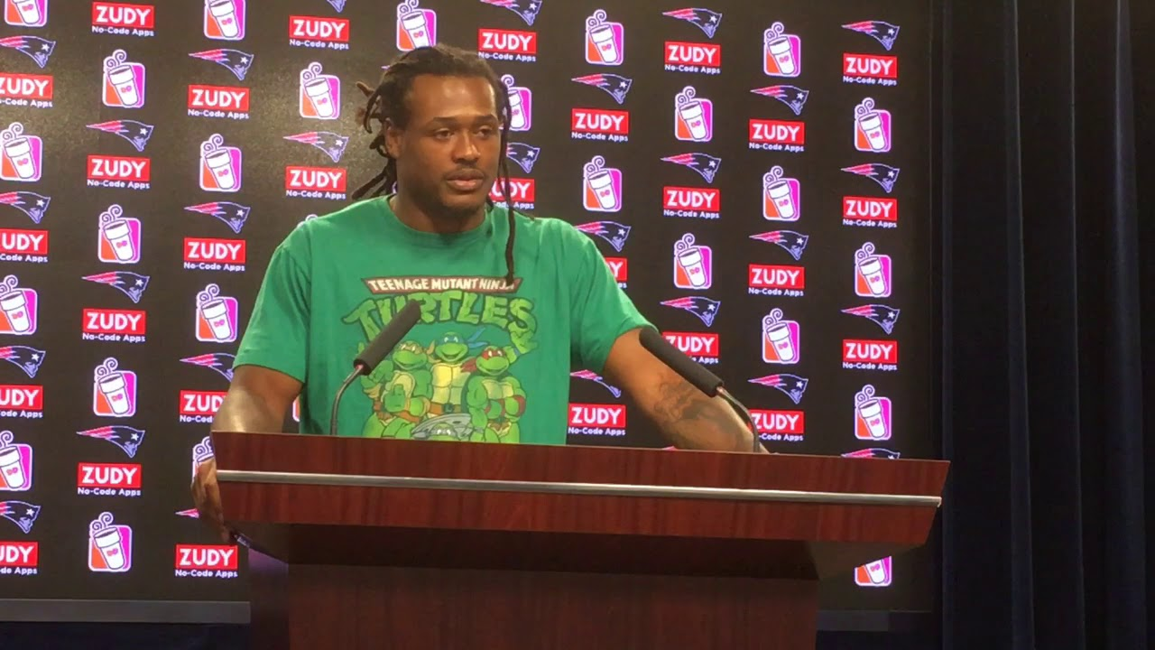 Dont'a Hightower says David Harris has been like a defensive coordinator