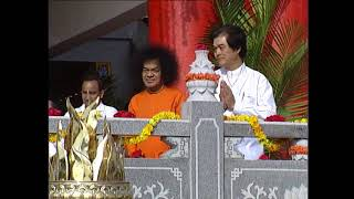 Sri Sathya Sai Baba Darshan Video   Chaitanya Jyoti Museum Opening 18 11 2000