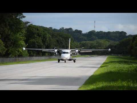 Aterrizaje De Vuelo De NatureAir En El Aeropuerto De Tambor
