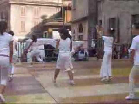 19 settembre 2009 Merate:  balli e musica in Piazza Prinetti con la