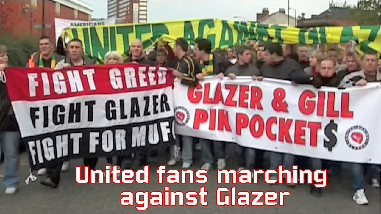 Man United fans protest march against Glazer - YouTube