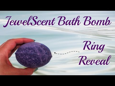 JewelScent Ring Reveal - Punchy Plum Bath Bomb!