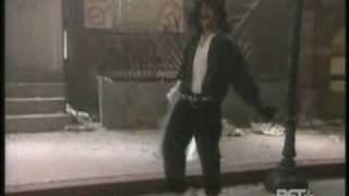 Am I BLacK oR WHiTe ♫  a.k.a MicHaeL JacKSoN