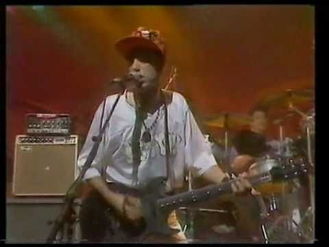 Big Audio Dynamite - E=MC2 (live)