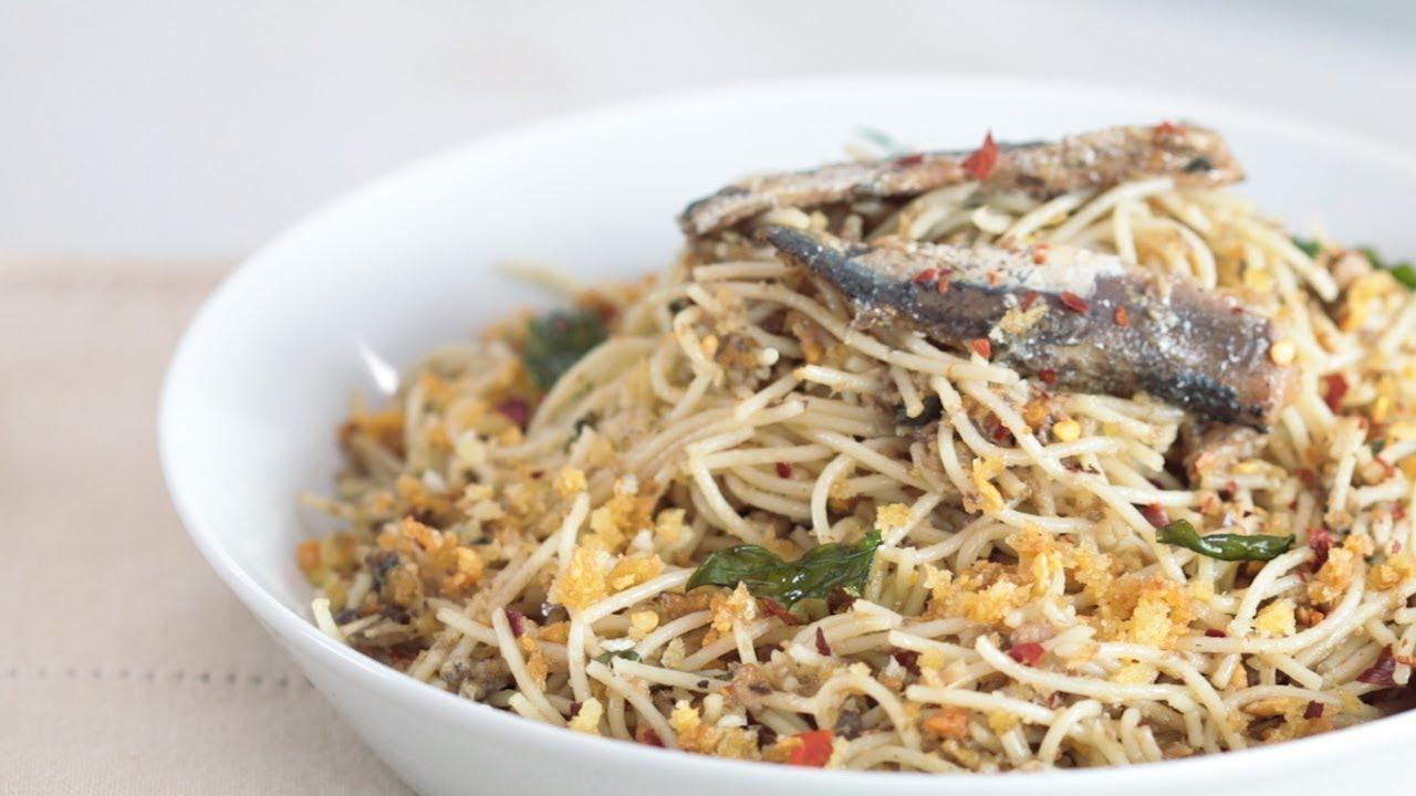 WATCH: How to Make Garlic Pasta with Spanish Sardines Recipe