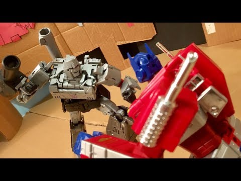 Optimus Prime vs. Megatron stop-motion